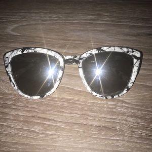 QUAY marble sunglasses